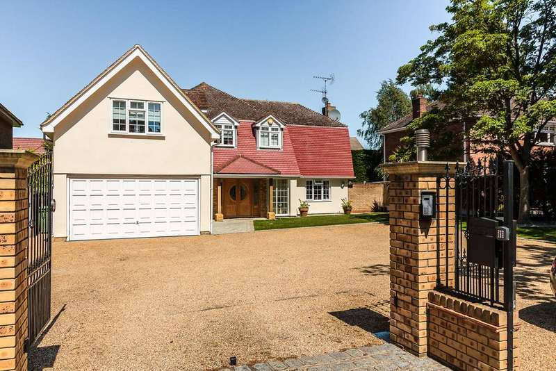 5 Bedrooms Detached House for sale in Norsey Road, Billericay CM11