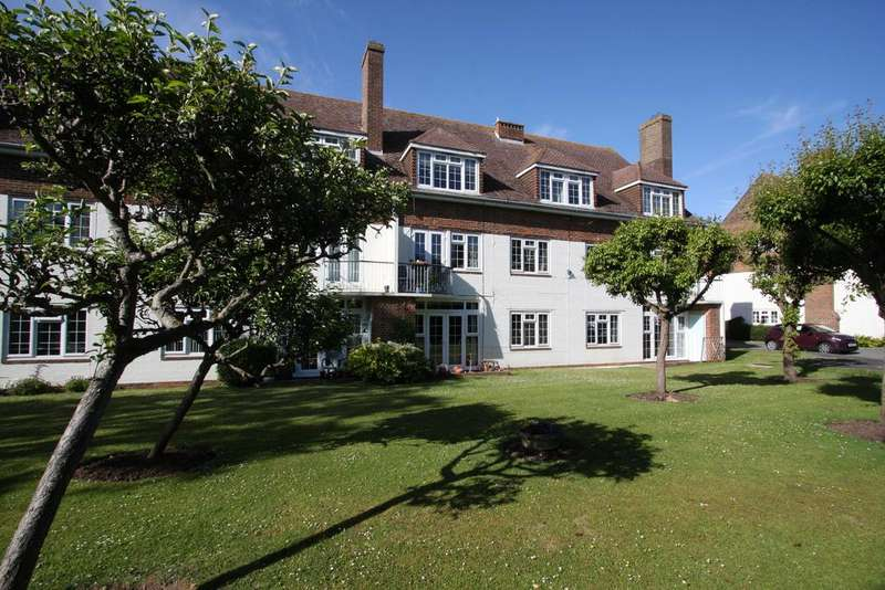 2 Bedrooms Apartment Flat for sale in The Lawns, St Mary's Close, Off Huggetts Lane, Eastbourne BN22