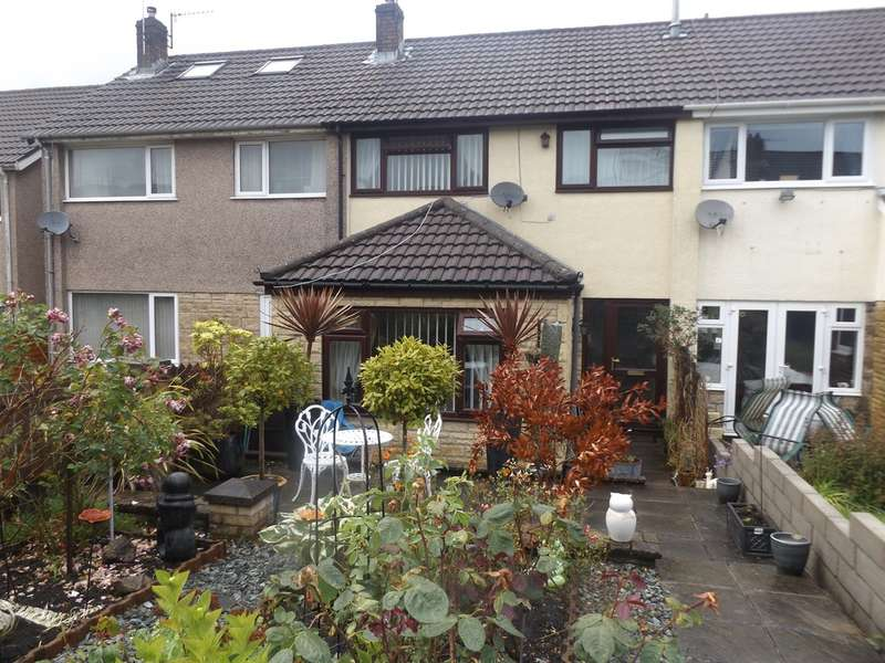 3 Bedrooms Terraced House for sale in St Christophers Drive, Caerphilly