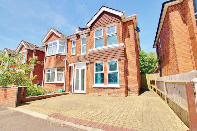 4 Bedrooms Semi Detached House for sale in Porchester Road, Woolston