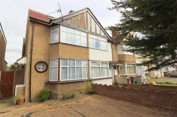 3 Bedrooms Semi Detached House for sale in Hounslow Road, Hanworth, Middlesex