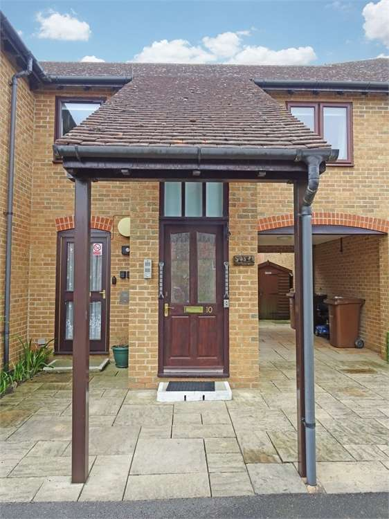 2 Bedrooms Flat for sale in Sweet Briar, Marcham, Abingdon, Oxfordshire