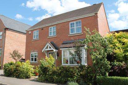 3 Bedrooms Detached House for sale in St. Peters Way, Stratford-Upon-Avon, Warwickshire