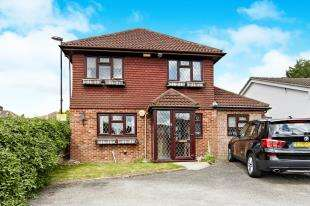 4 Bedrooms Detached House for sale in Ridge Langley, Sanderstead, South Croydon, .