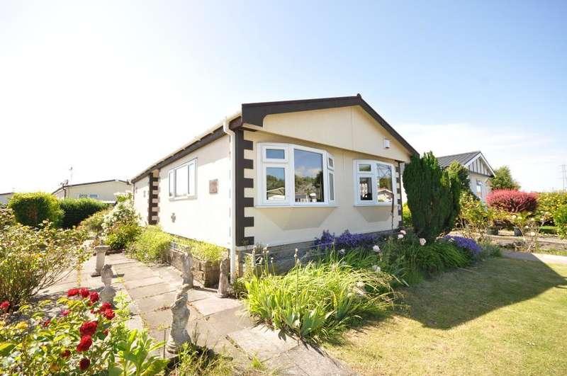 2 Bedrooms Park Home Mobile Home for sale in Austin Way, Carr Bridge Residential Park, Blackpool, Lancashire, FY4 5JL