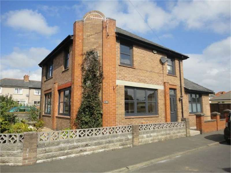 3 Bedrooms Detached House for sale in Deri Road, Abergavenny, NP7