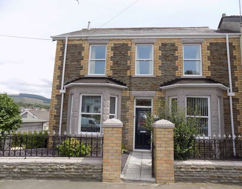 4 Bedrooms Detached House for sale in Llwydarth Road, Maesteg, Bridgend. CF34 9EU