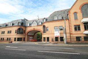 3 Bedrooms Flat for sale in Whyteleafe Hill, Warlingham