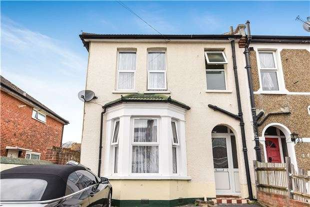 3 Bedrooms End Of Terrace House for sale in Moffat Road, THORNTON HEATH, Surrey, CR7 8PY
