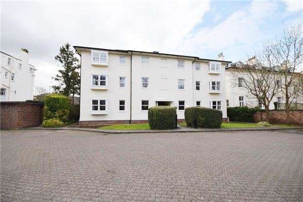 2 Bedrooms Flat for sale in Queens Road, CHELTENHAM, Gloucestershire, GL50 2LS