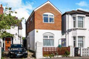 2 Bedrooms Detached House for sale in Sydenham Road, Croydon