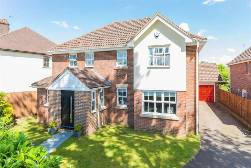4 Bedrooms Detached House for sale in Salisbury Close, Amersham, Buckinghamshire, HP7 9EX