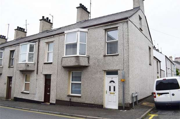 2 Bedrooms End Of Terrace House for sale in Holborn Road, Holyhead, Anglesey