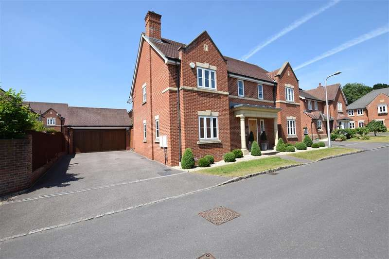 5 Bedrooms Detached House for rent in Grenedier Close, Shinfield, RG2