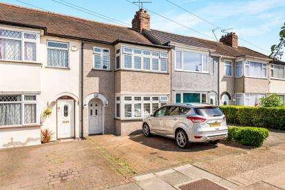 3 Bedrooms Terraced House for sale in Rise Park, Romford, Essex