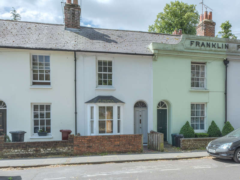 2 Bedrooms Cottage House for sale in Franklin Place, Chichester