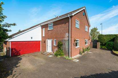 4 Bedrooms Detached House for sale in Wymondham, Norfolk, N/A