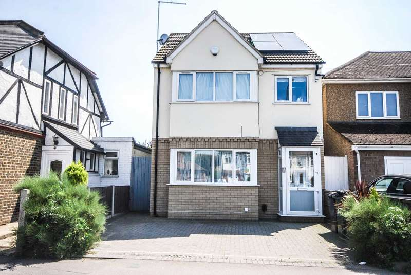 4 Bedrooms Detached House for sale in Sewardstone Road, Chingford