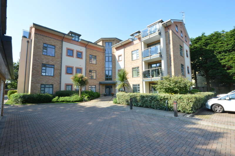 3 Bedrooms Apartment Flat for sale in Osborne Road, New Milton