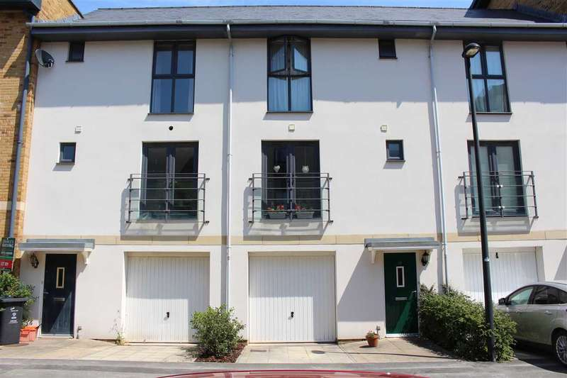 3 Bedrooms Terraced House for sale in Pasteur Drive, Swindon