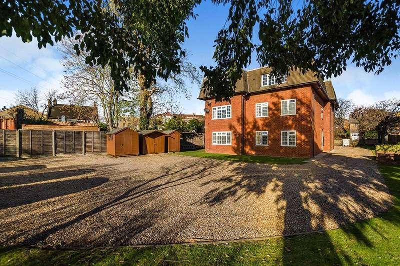 Flat for sale in Mitcham Park, Mitcham, CR4