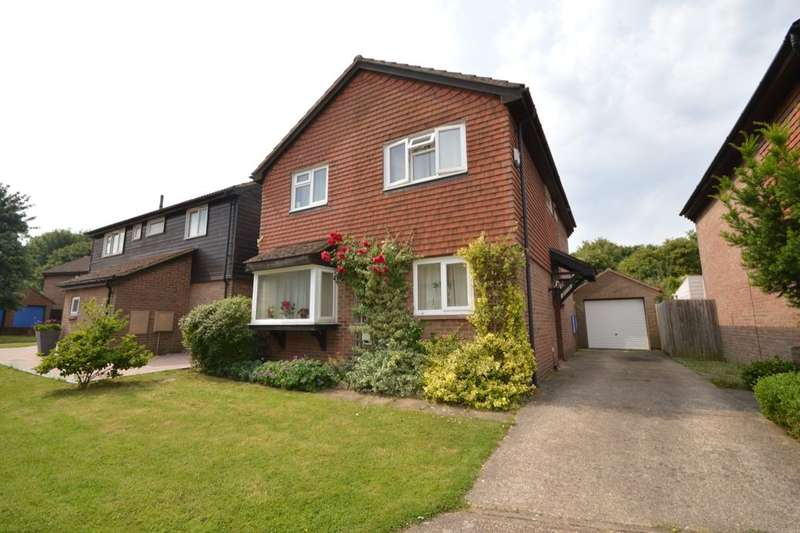 4 Bedrooms Detached House for sale in Clarice Way, Wallington, SM6