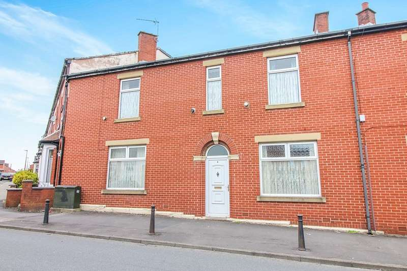 3 Bedrooms Property for sale in Shorrock Lane, Blackburn, BB2