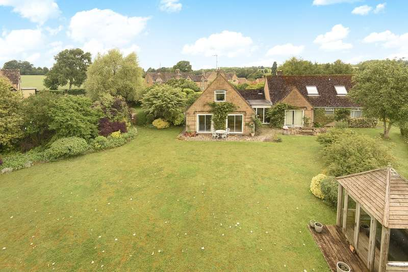 4 Bedrooms Detached Bungalow for sale in Daglingworth, Cirencester