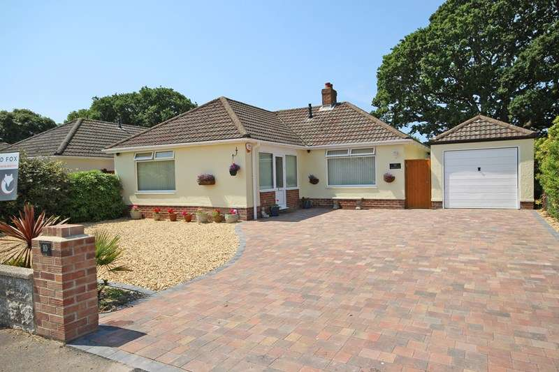 2 Bedrooms Detached Bungalow for sale in Ashmore Avenue, Barton On Sea, New Milton
