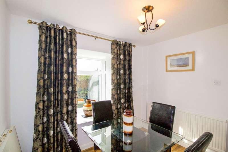 3 Bedrooms End Of Terrace House for sale in Llys Gwyn, Bridgend