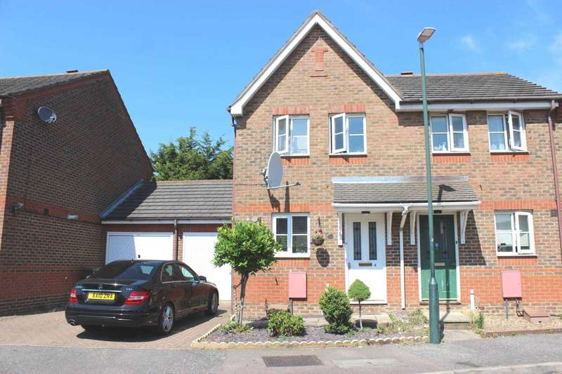 3 Bedrooms House for sale in Wentworth Close, Thamesmead, SE28 8QW