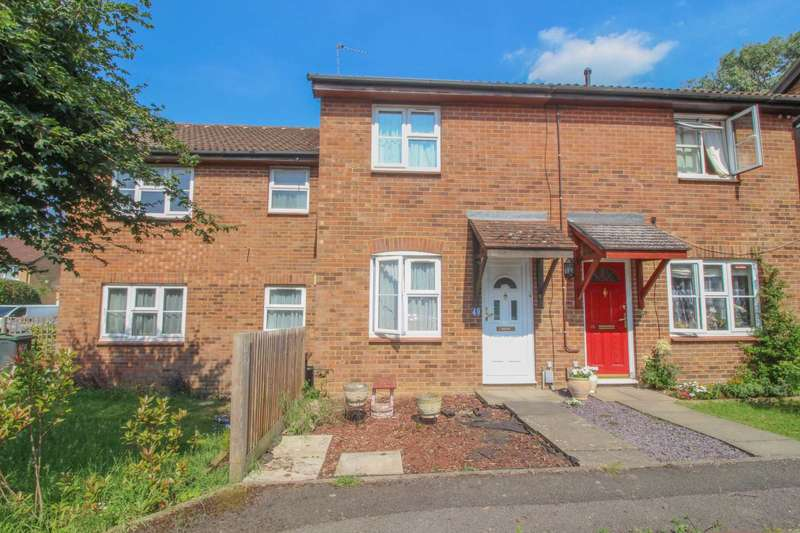2 Bedrooms Terraced House for sale in Redwood Close, South Oxhey