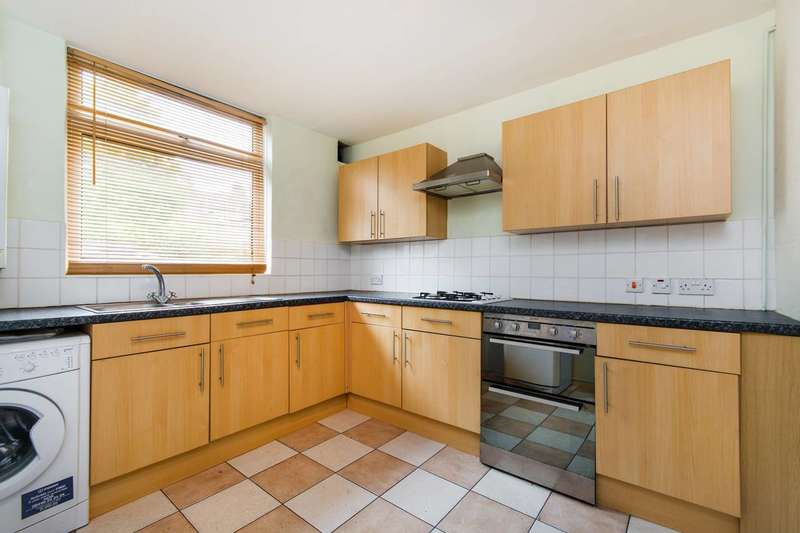 3 Bedrooms Terraced House for rent in Crowmarsh Gardens, Forest Hill, SE23
