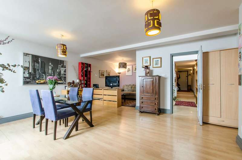 2 Bedrooms Flat for sale in Bow Road, Bow, E3