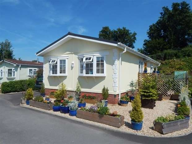 2 Bedrooms Mobile Home for sale in Primrose Hill, Charlton Mackrell, Somerton