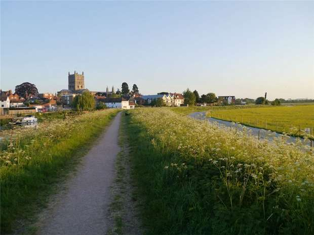 2 Bedrooms Flat for sale in St Marys Lane, Tewkesbury, Gloucestershire