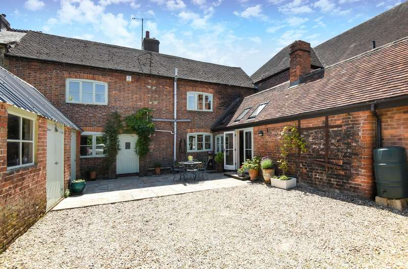 5 Bedrooms House for sale in West Street, Storrington, RH20
