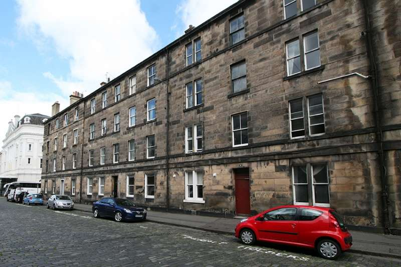 2 Bedrooms Flat for sale in Grindlay Street, Edinburgh, EH3 9AT