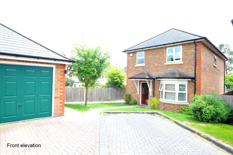 3 Bedrooms Detached House for sale in Temple Wood Drive, Redhill