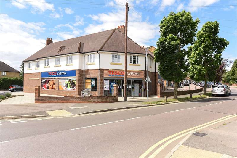 2 Bedrooms Apartment Flat for sale in Tudor Place, Berry Lane, Rickmansworth, Hertfordshire, WD3