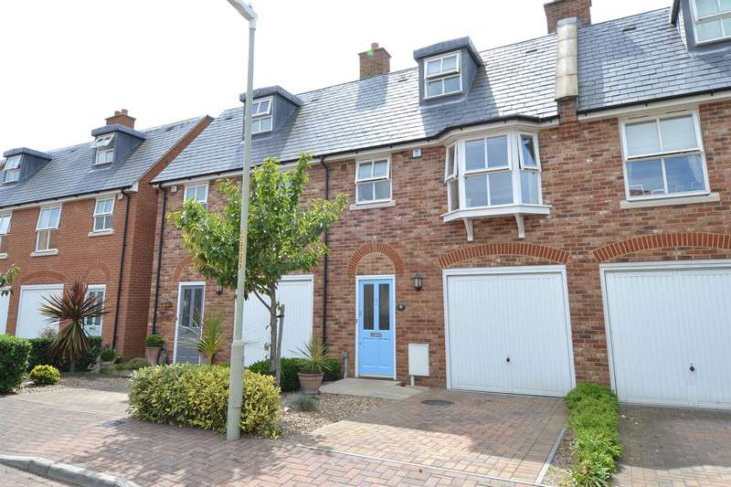 3 Bedrooms Terraced House for sale in Cages Close, Whitstable
