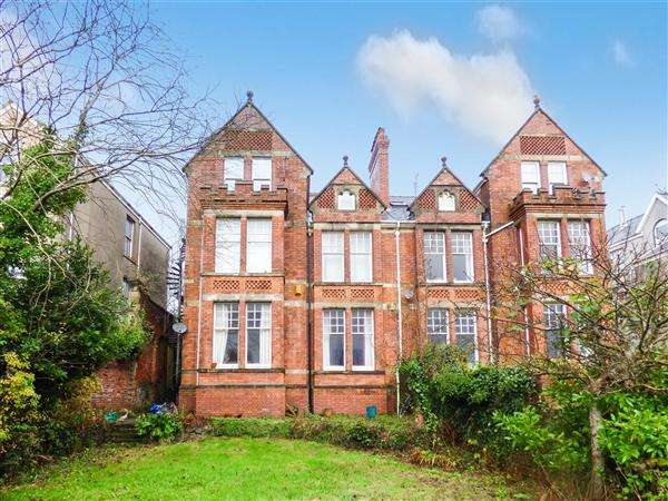 7 Bedrooms Semi Detached House for sale in Eaton Crescent, Swansea