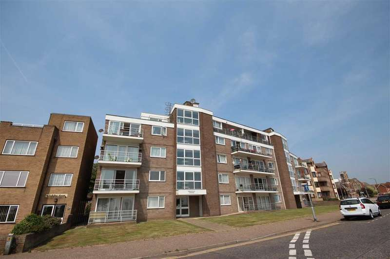 2 Bedrooms Apartment Flat for sale in Mansfield Towers, Marine Parade East, Clacton-On-Sea