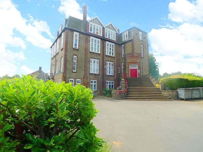 1 Bedroom Ground Flat for sale in London Road, Peterborough, Cambridgeshire. PE2 9DS