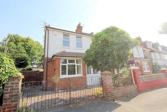 3 Bedrooms House for sale in Bramber Road, BN25