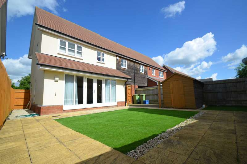 3 Bedrooms Semi Detached House for sale in Middleton