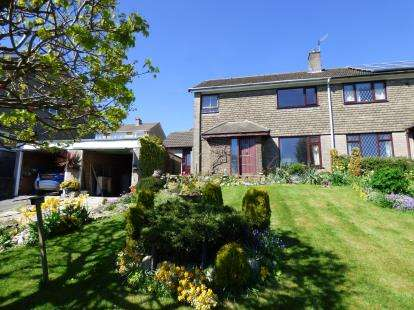 4 Bedrooms Semi Detached House for sale in Alsfeld Way, New Mills, High Peak