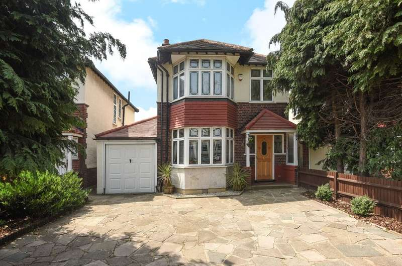 3 Bedrooms Detached House for sale in Sidcup Road, London