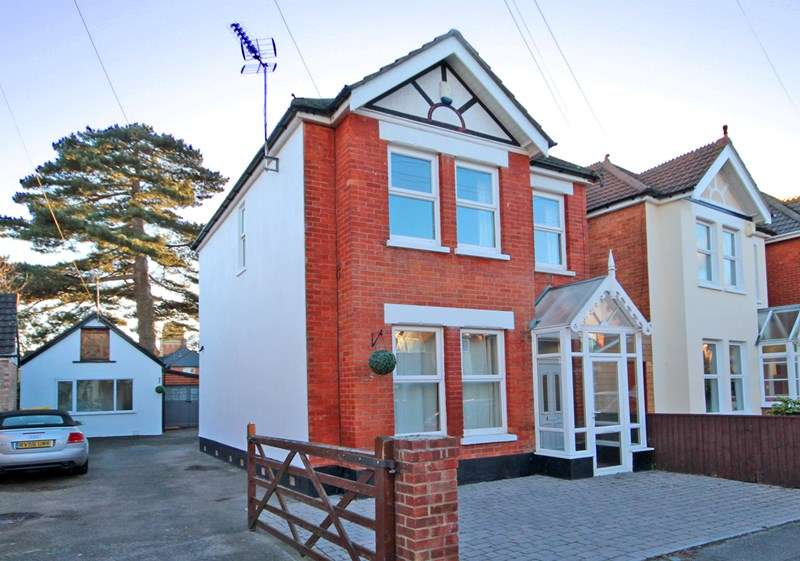 4 Bedrooms Detached House for sale in Colville Road, Bournemouth