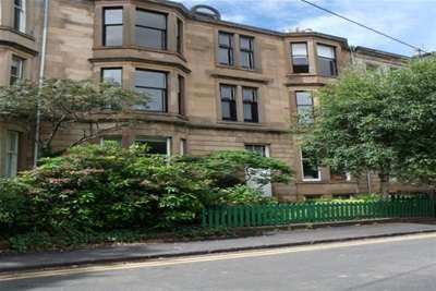 3 Bedrooms Flat for rent in Hillhead Street, Hillhead